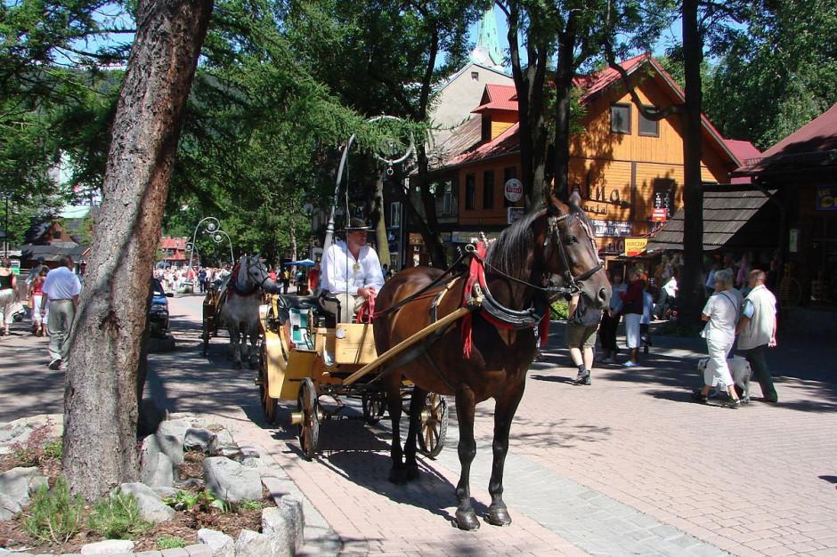Władze Zakopanego apelują do turystów: Noście maseczki