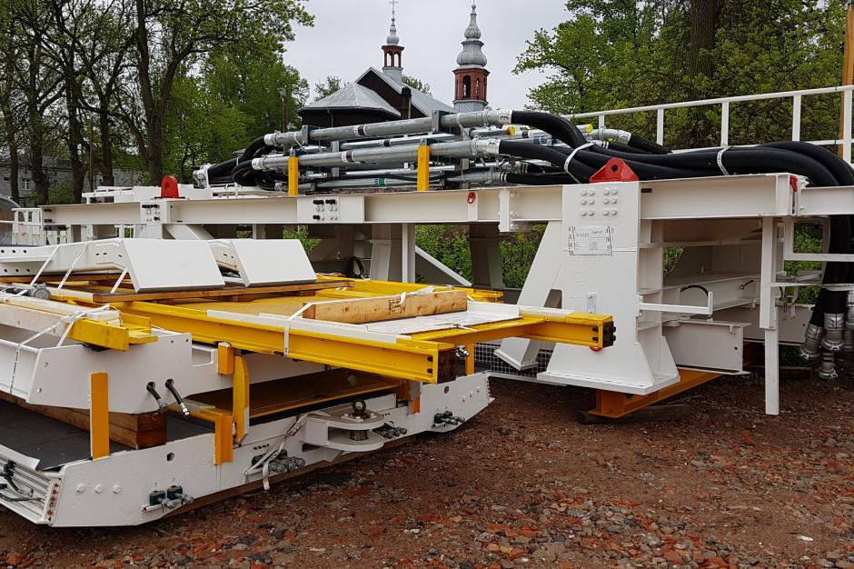 Do Łodzi docierają kolejne elementy maszyny TBM do budowy kolejowych tuneli