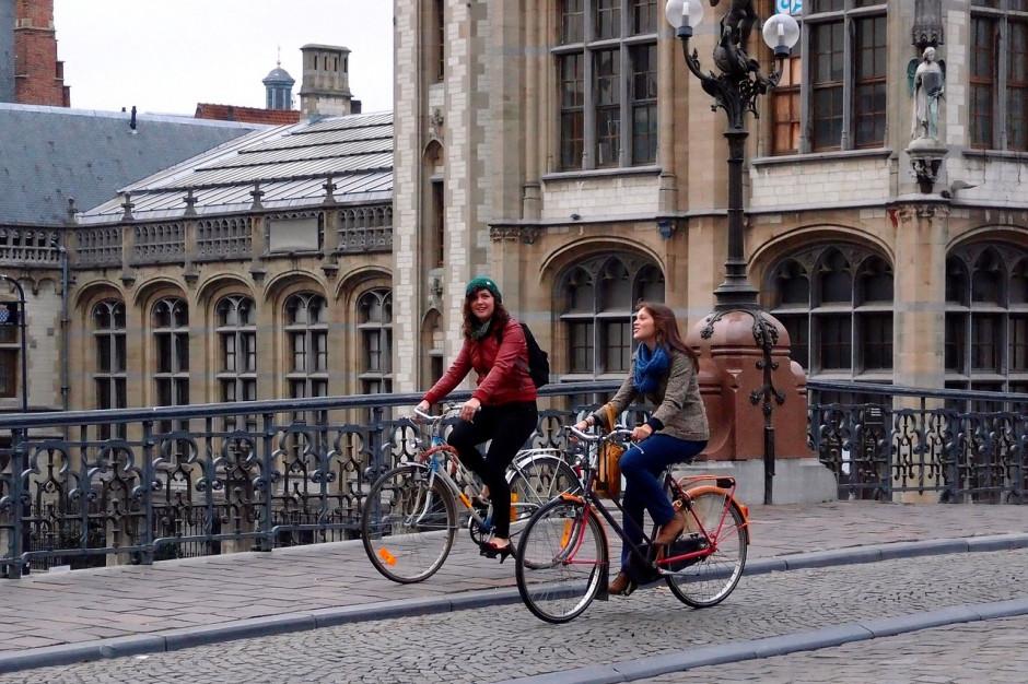 W Gdańsku więcej przestrzeni dla pieszych i rowerzystów. Kosztem kierowców