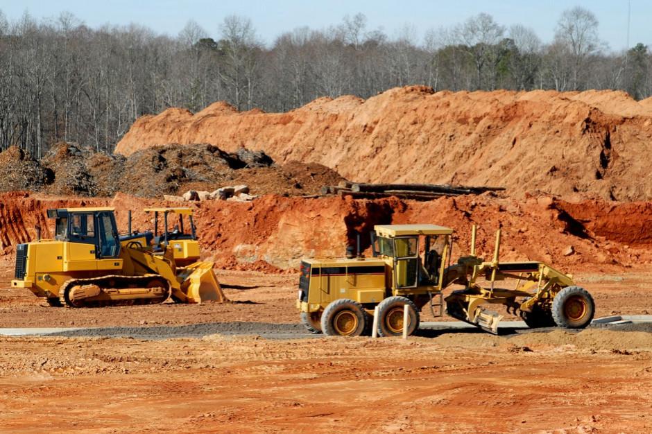 O 30 proc. mniej zamówień samorządowych w budownictwie