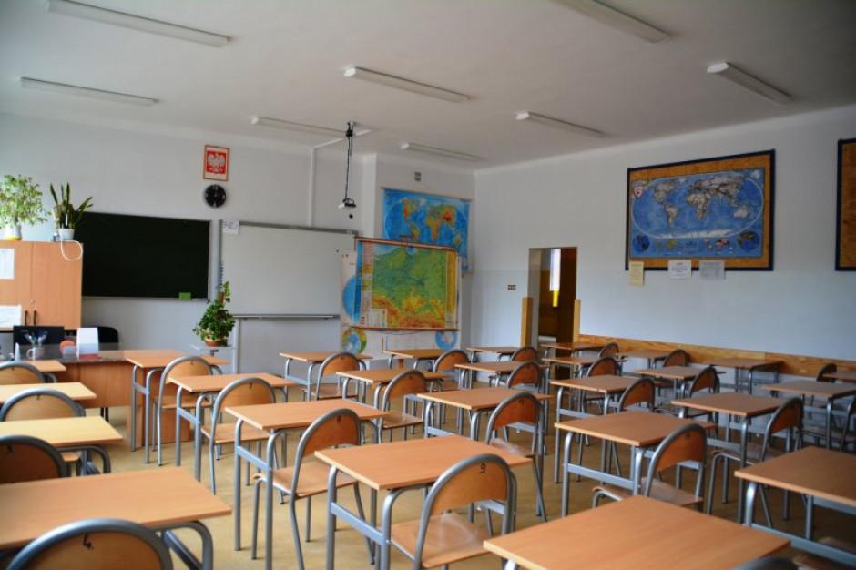 Ciechanów: Klasy I-III szkół podstawowych wznowią działalność 25 maja