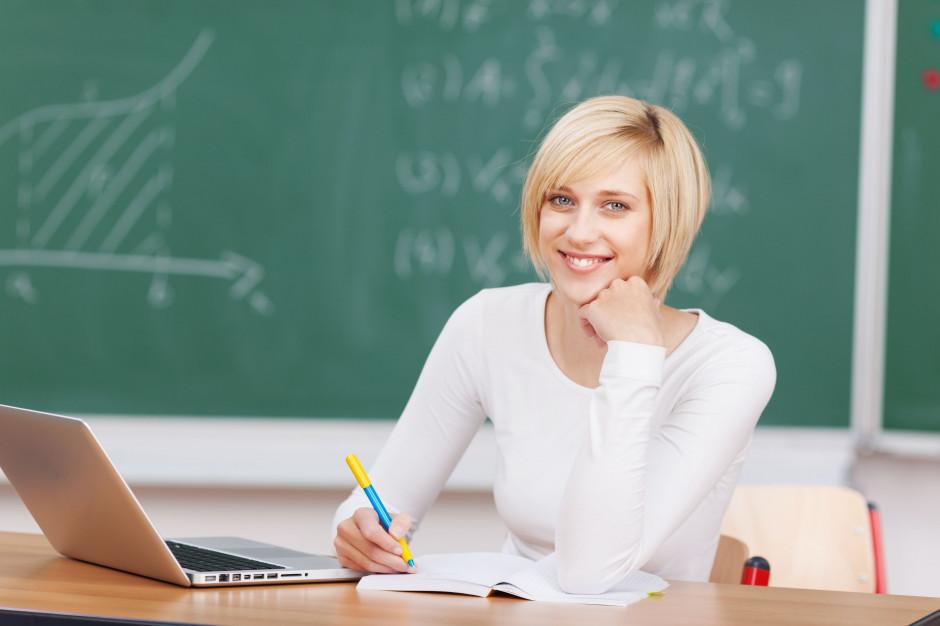 ZNP apeluje do rządu o ulgę na internet dla nauczycieli