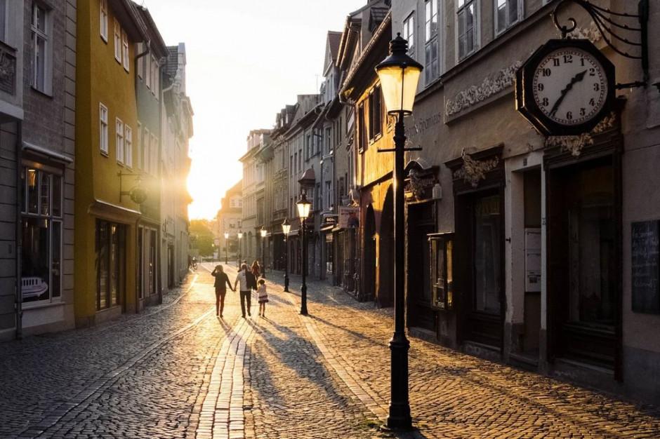 Ogólnopolskie badanie samorządów. Pytają miasta i gminy o rozwój