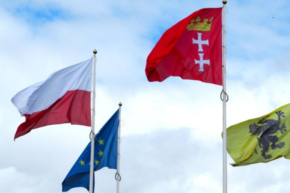 Apel samorządowców: zawieście flagi z okazji 30. rocznicy odrodzenia samorządu