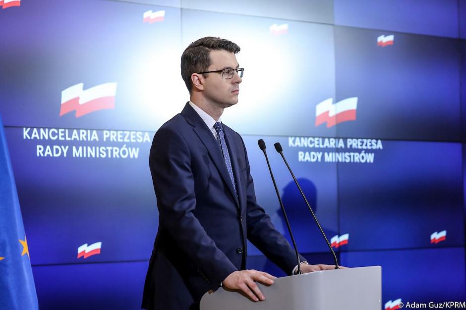 Müller o wypowiedzi Jaśkowiaka: Matury w niedzielę się nie odbywają