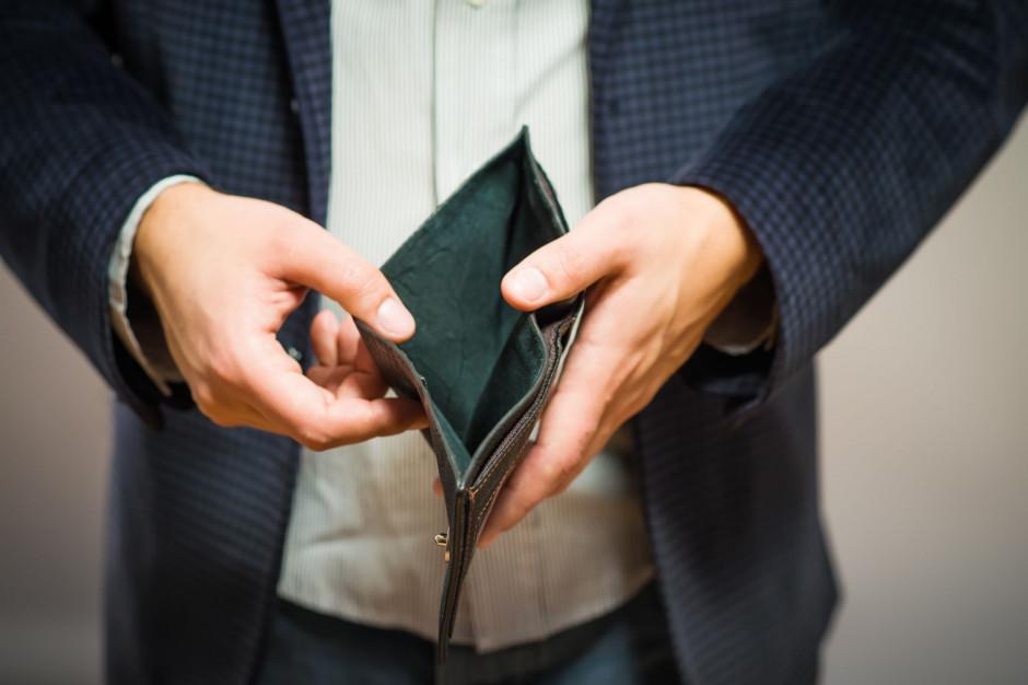 Samorządy wyłączone spod możliwości obniżek pensji