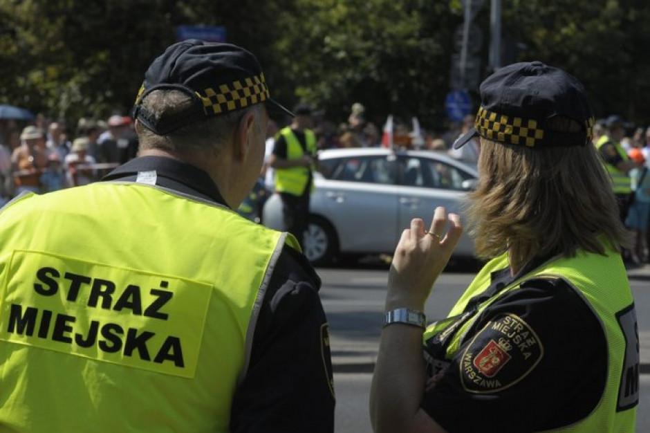 Stowarzyszenie mazowieckich gmin chce, aby trudniej było rozwiązać straż miejską