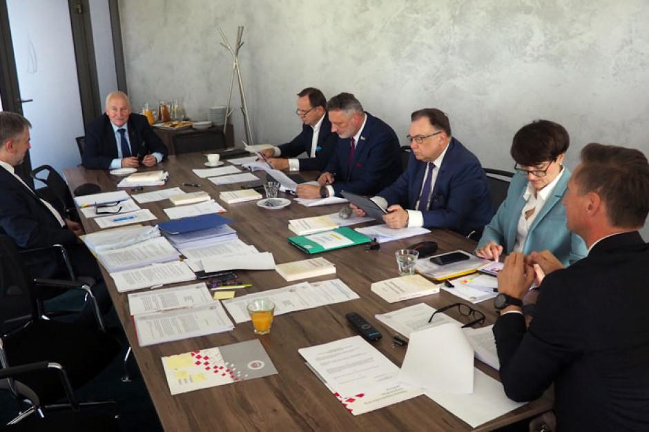 Marszałkowie oczekują przyspieszenia prac dotyczących wsparcia dla JST