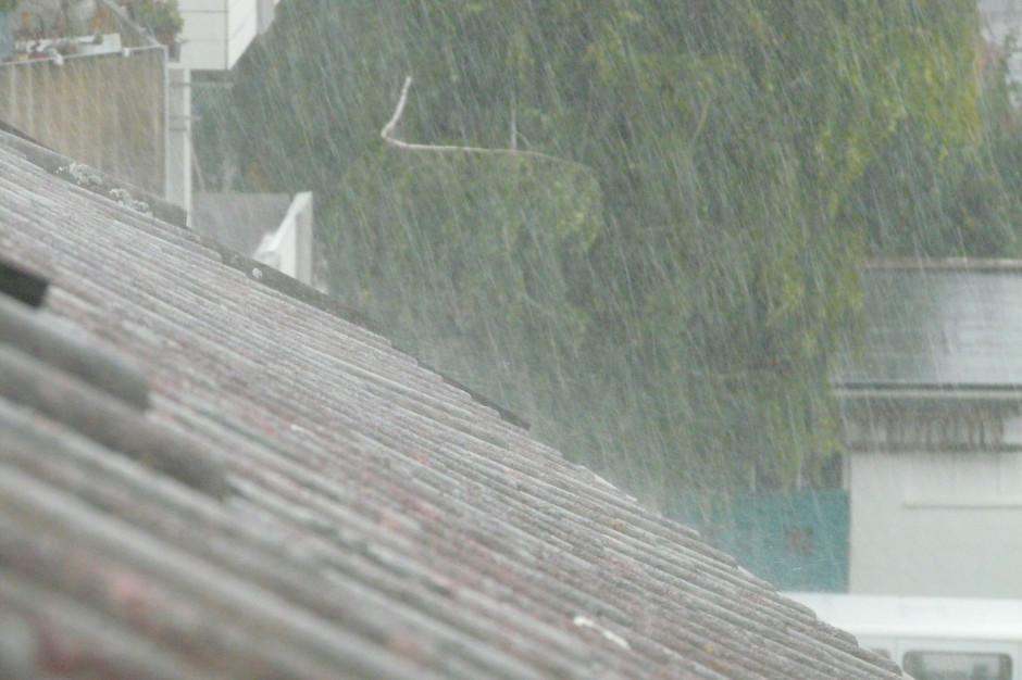 Śląskie: Pogotowie przeciwpowodziowe w trzech powiatach