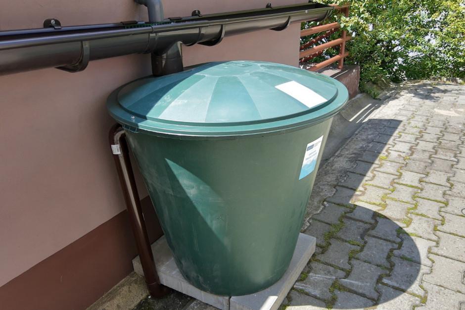 Katowice montują przydomowe zbiorniki na deszczówkę