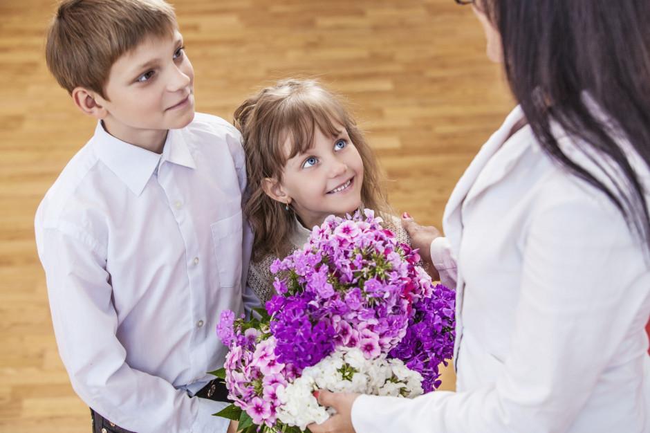 Koniec roku szkolnego: Jak będzie wyglądało rozdanie świadectw? O formie i terminie zdecyduje dyrektor