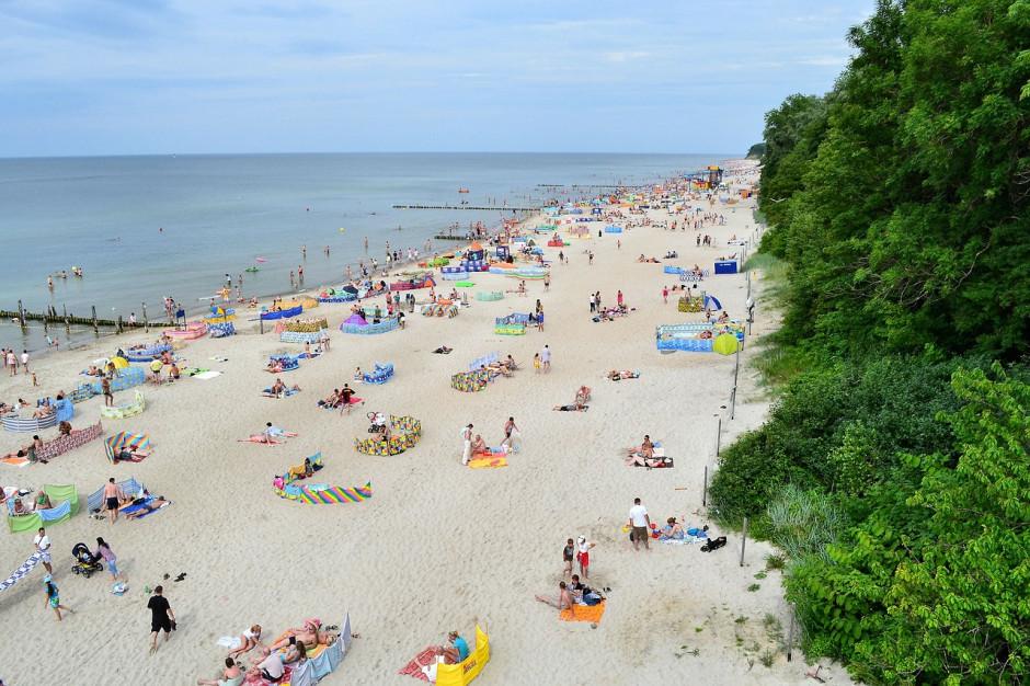 Plaże, obostrzenia i koszty. Ruszył sezon kąpieliskowy