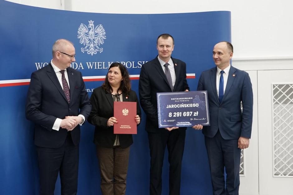 Nowe drogi w Wielkopolsce. Umowy na 13,6 mln zł podpisane