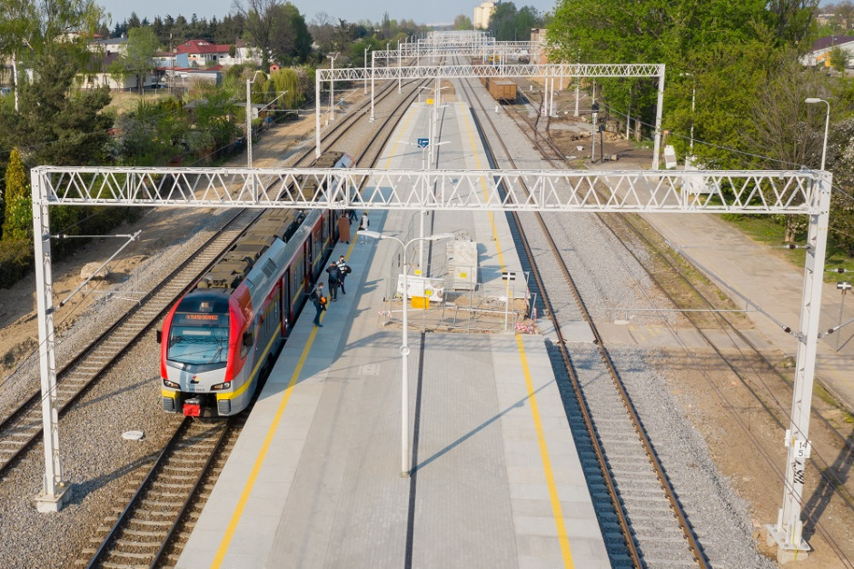 Nowe perony na stacjach w Pabianicach i Kolumnie