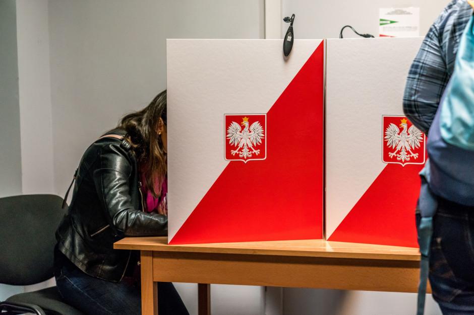 Warszawa zbiera informacje dot. utworzenia zamkniętych obwodów głosowania