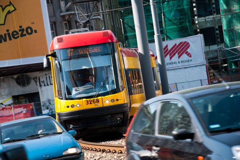 Warszawa rozbuduje zieloną falę dla tramwajów