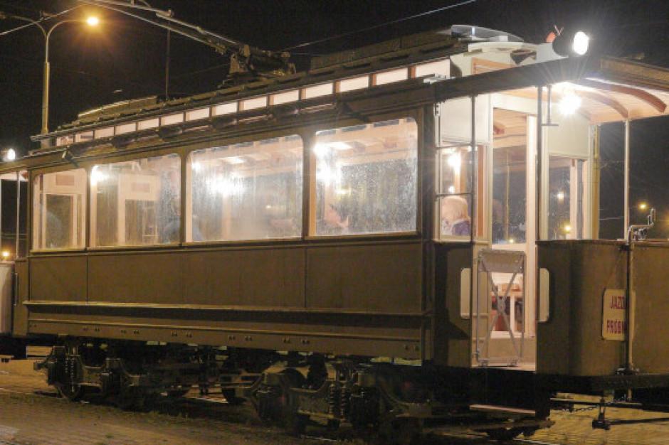 119-letni tramwaj znów na torach