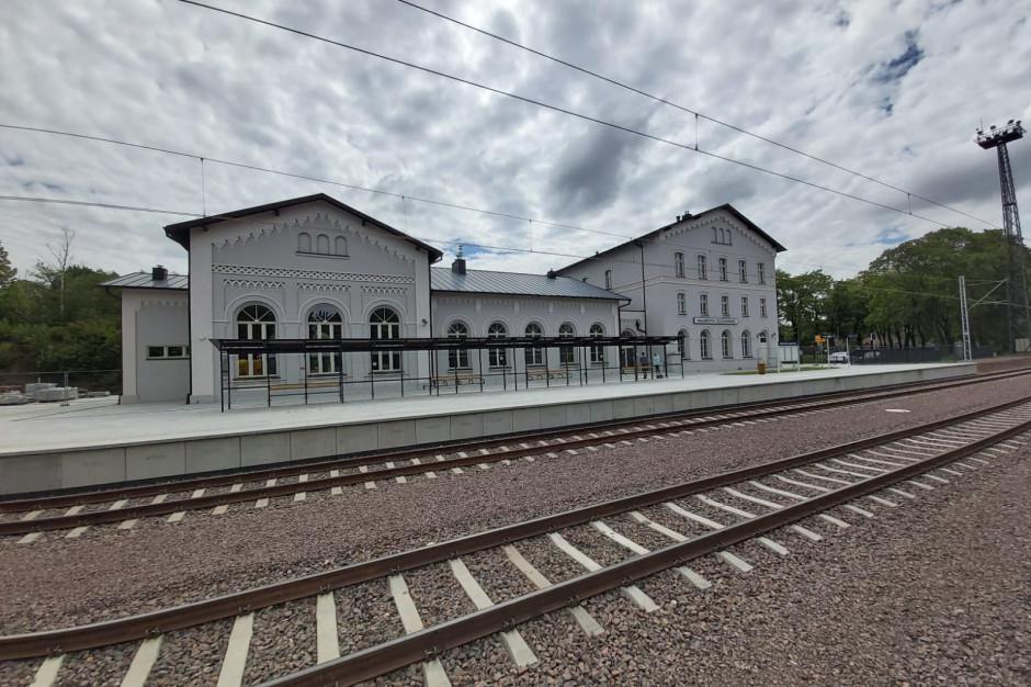 Dolnośląskie: Zakończono przebudowę peronu na stacji Wałbrzych Szczawienko