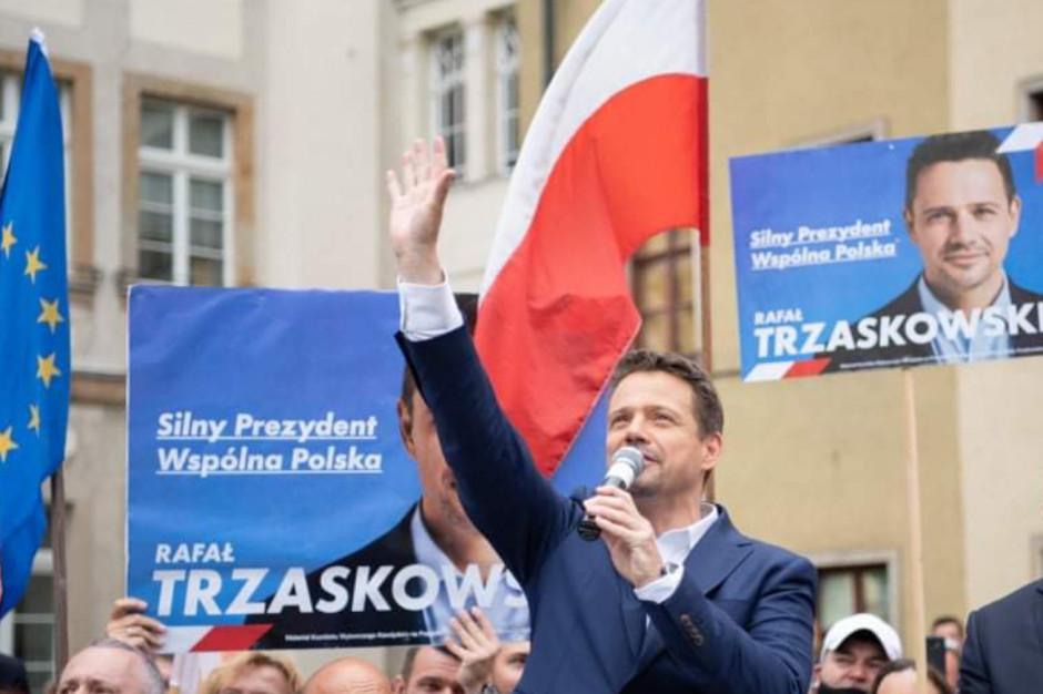 Trzaskowski chwali 30 lat funkcjonowania samorządów