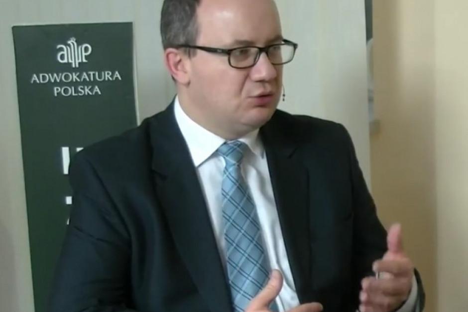 Adam Bodnar: zdalne obrady samorządów naruszają konstytucyjną zasadę jawności