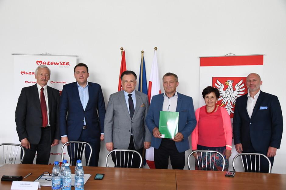 Mazowsze: budowa dojazdów do pól i zbiorników małej retencji ze wsparciem województwa