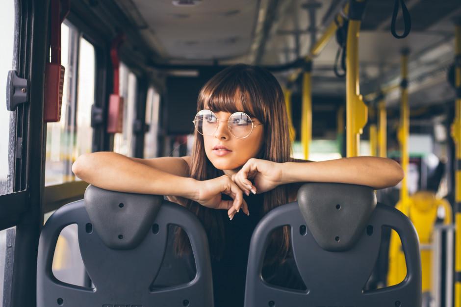Klimatyzacja w autobusach i tramwajach tylko na określonych warunkach