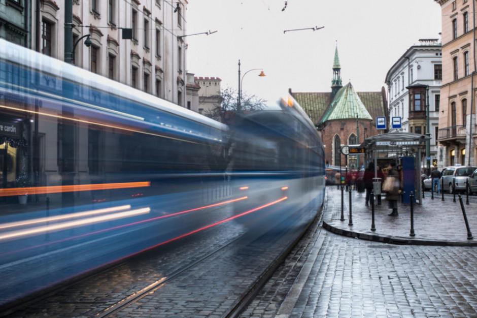 Kraków. Wpływy ze sprzedaży biletów spadły o 17-18 mln zł, ale jest już lepiej