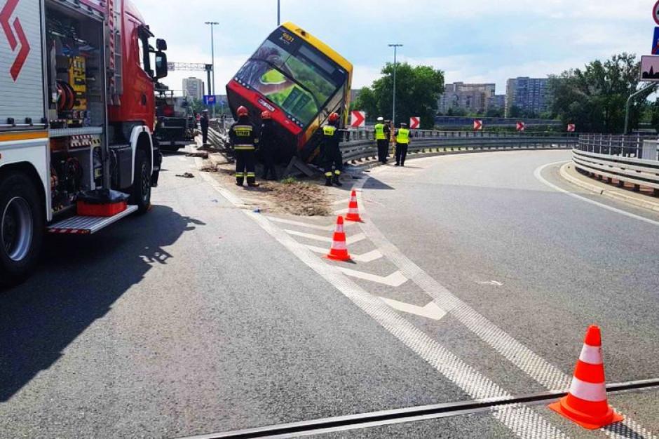 Warszawa: Wypadek autobusu miejskiego. Prokuratura prowadzi śledztwo