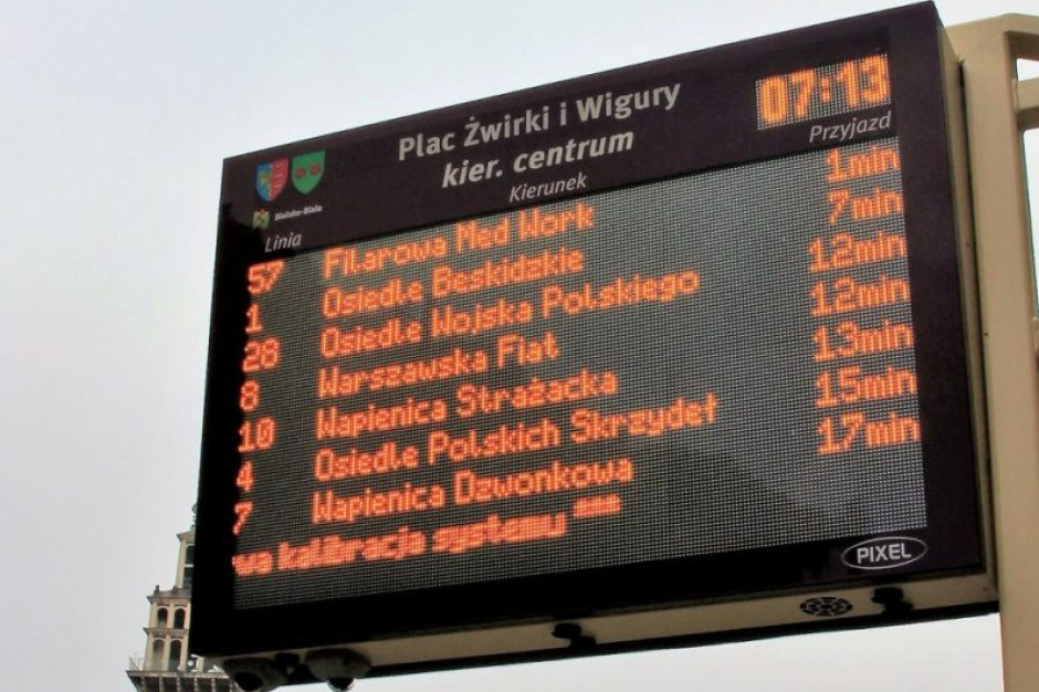Elektroniczne tablice informacyjne w 2021 r. na przystankach w Oświęcimiu