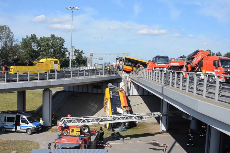 Warszawa: W związku z wypadkiem autobusu od piątku trwają kontrole ZTM w spółce Arriva