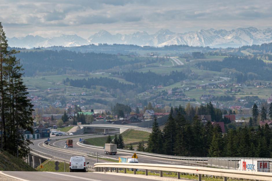 Minister infrastruktury podpisał program inwestycyjny dla budowy węzła na Zakopiance w Jaworniku