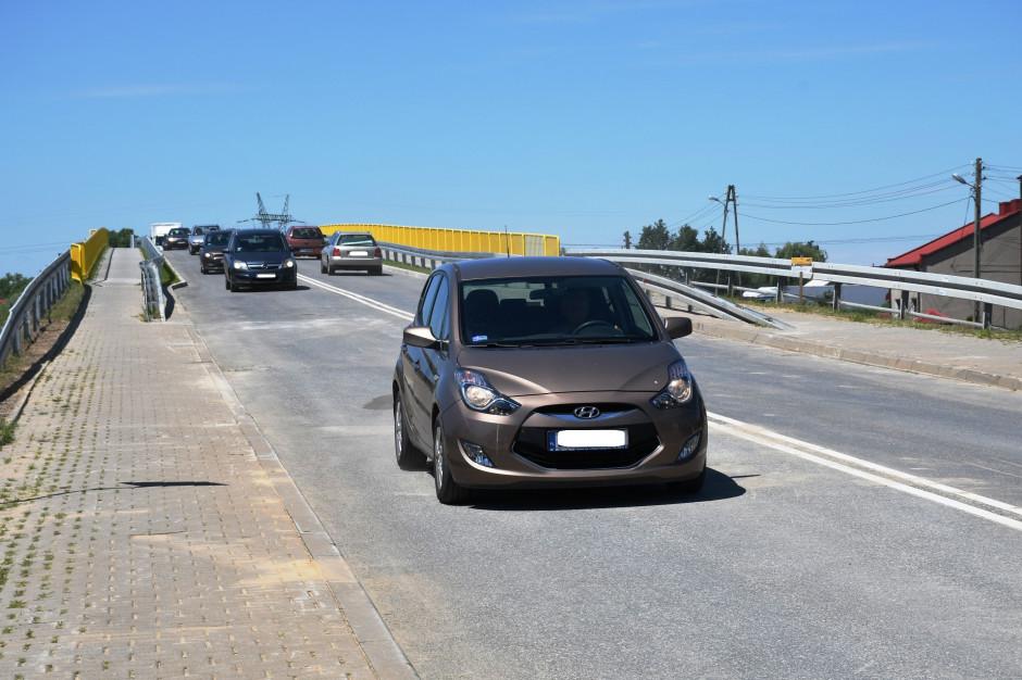 Piotrków Tryb.: Kierowcy mogą korzystać z nowego wiaduktu nad autostradą A1