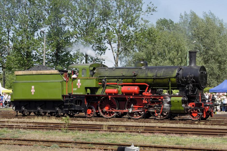 Małopolskie wakacyjne pociągi retro wyjechały na tory
