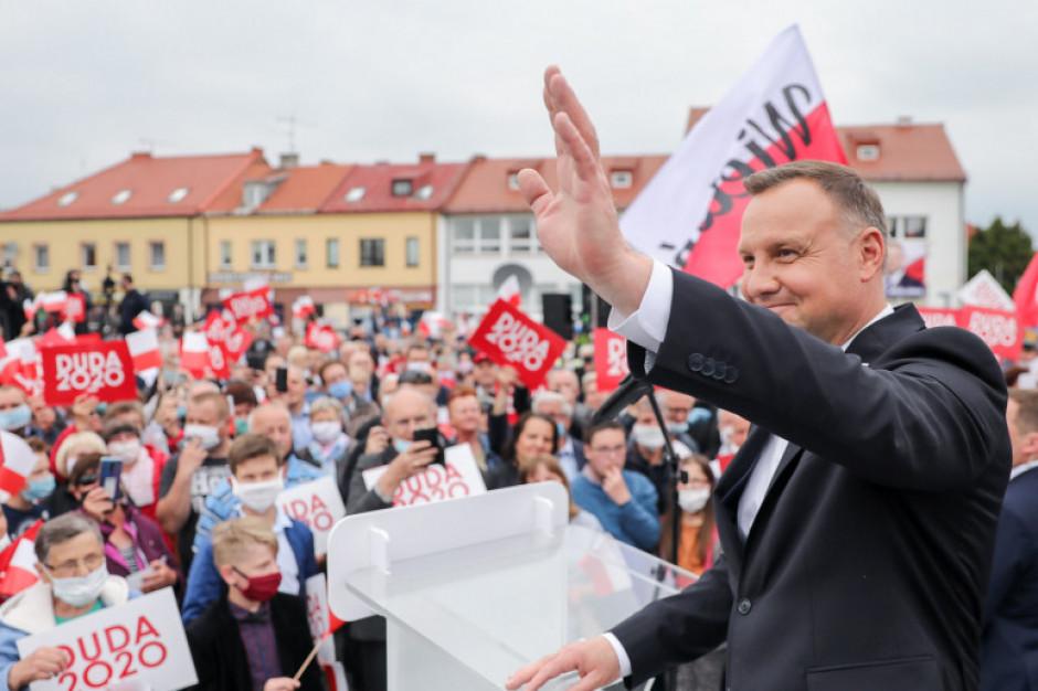"""Andrzej Duda obiecuje lepszą opiekę seniorom i projekt """"Centrum Zdrowia 75+"""""""