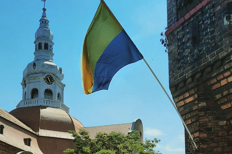 Na Dzień Śląskiej Flagi – zawisła w śląskich miastach i na… Rysach