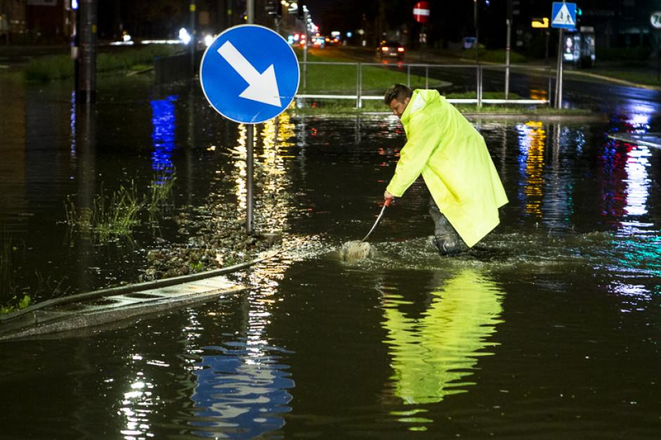 Naukowcy pokazali, jak gęsta zabudowa i uszczelnione powierzchnie sprzyjają miejskim powodziom