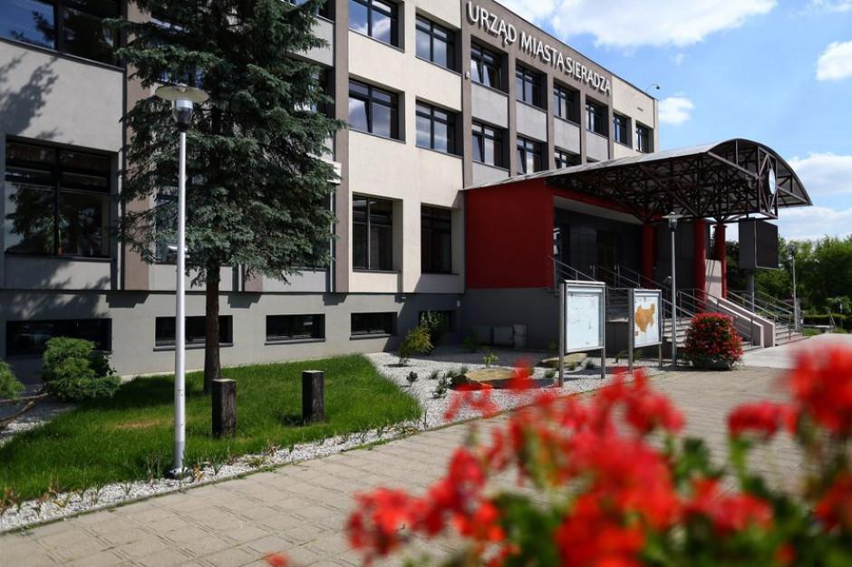 Sieradz: Pracownik Urzędu Miasta z potwierdzonym koronawirusem