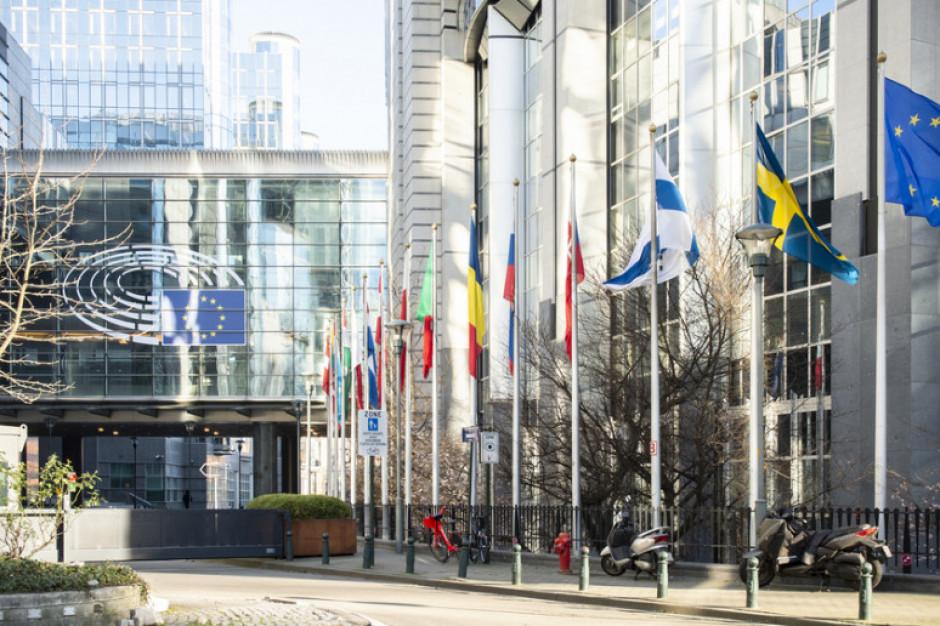 Budżet UE i praworządność. Jeśli Polska dostanie mniej, mniej mogą dostać samorządy