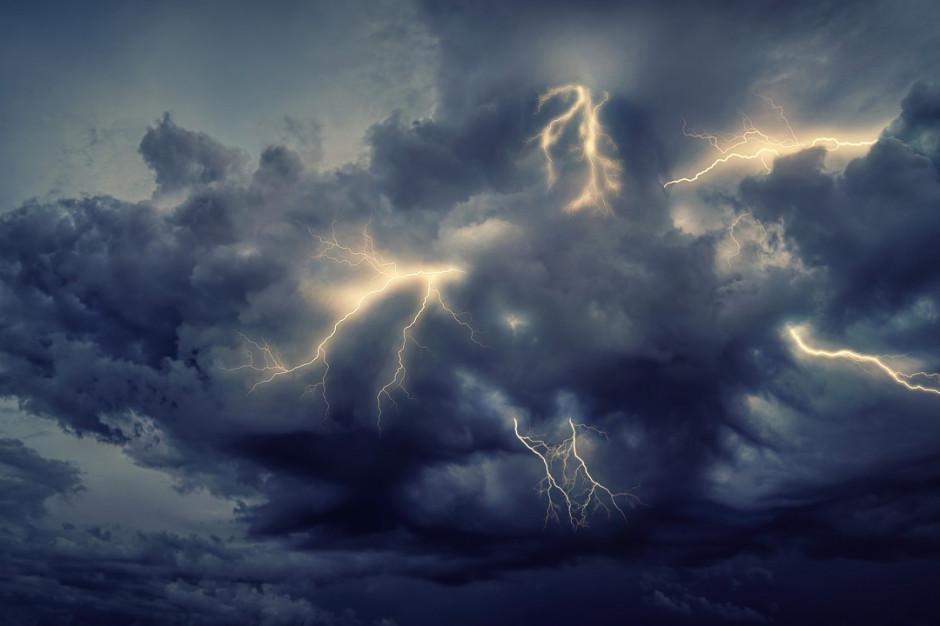 IMGW ostrzega przed burzami z gradem na południowym wschodzie kraju
