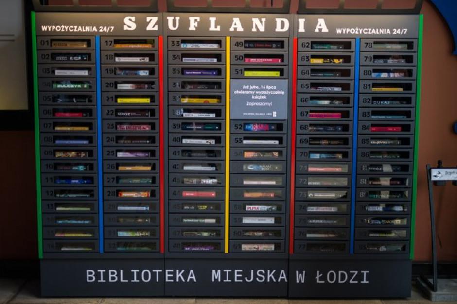 W Łodzi uruchomiono Szuflandię - samoobsługową bibliotekę