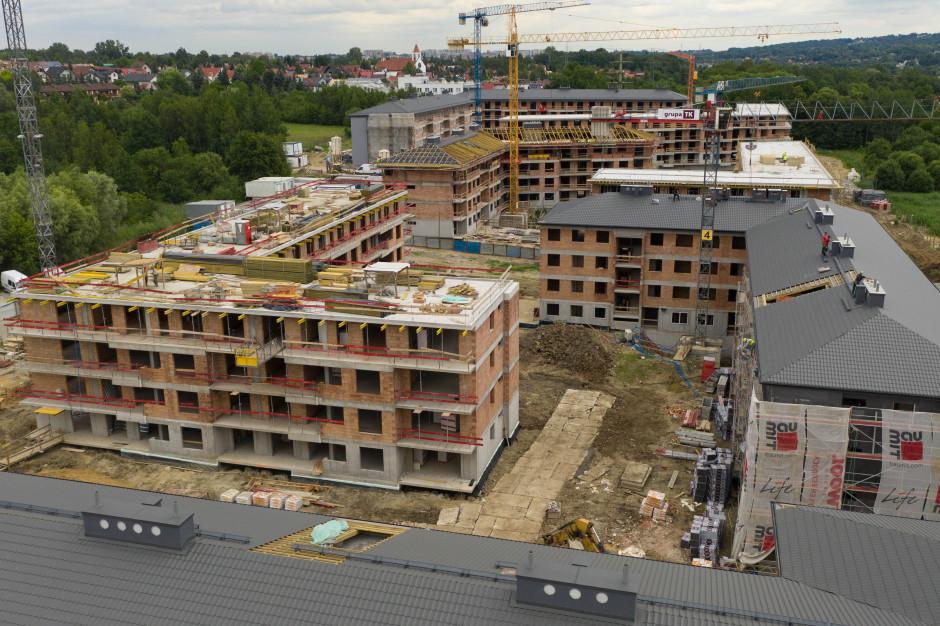 Wzrosła liczba nowych mieszkań, ale spadła liczba pozwoleń na budowę