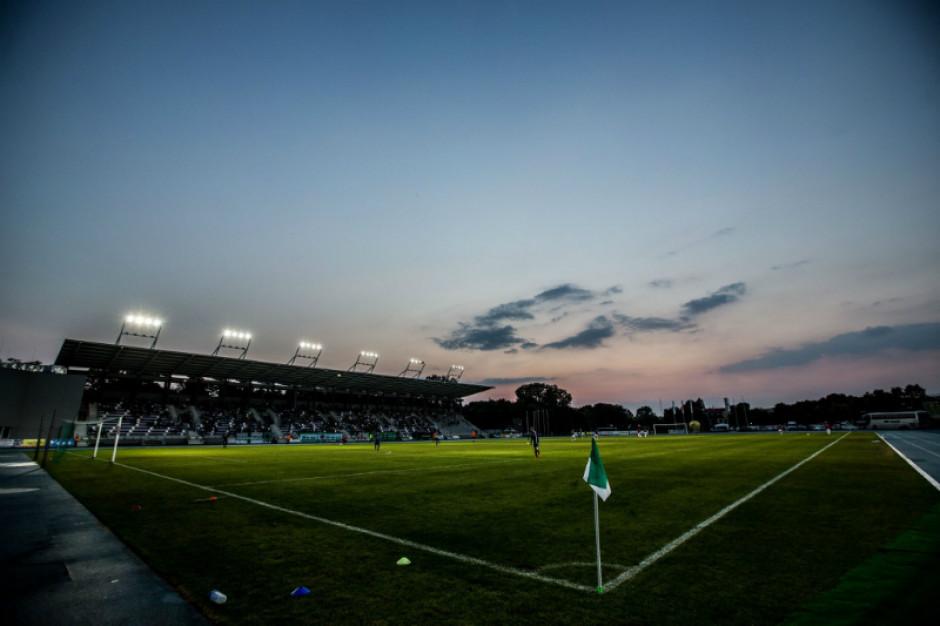 Trzy oferty w przetargu na modernizację oświetlenia na stadionie w Radomiu
