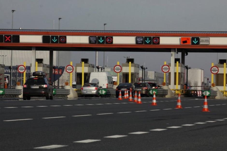 Kujawsko-Pomorskie: Kolejki przed bramkami na A1 koło Torunia w obu kierunkach