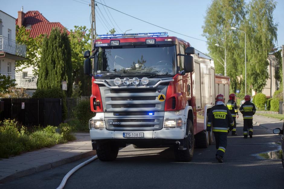 Śląskie: Po burzach dotąd 130 zgłoszeń do strażaków