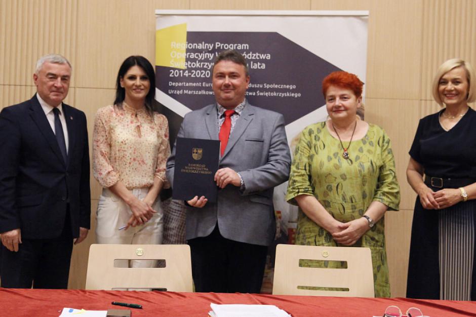 Świętokrzyskie: Ponad 10 mln zł na nowe miejsca w przedszkolach i domy opieki medycznej