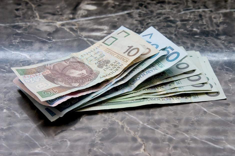 Rząd: proponowane minimalne wynagrodzenie w 2021 r. – 2800 zł