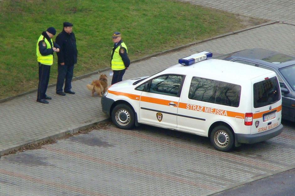 Szczecin: Blisko sto mandatów za nieprzestrzeganie obostrzeń epidemicznych wystawiła Straż Miejska