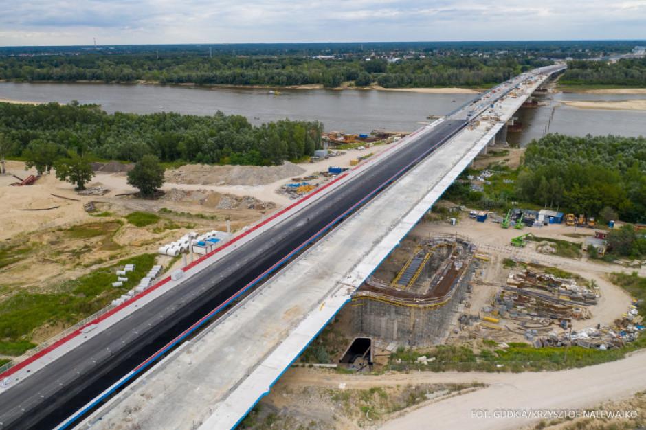 """Prace na """"mostowym"""" odcinku Południowej Obwodnicy Warszawy mocno zaawansowane"""