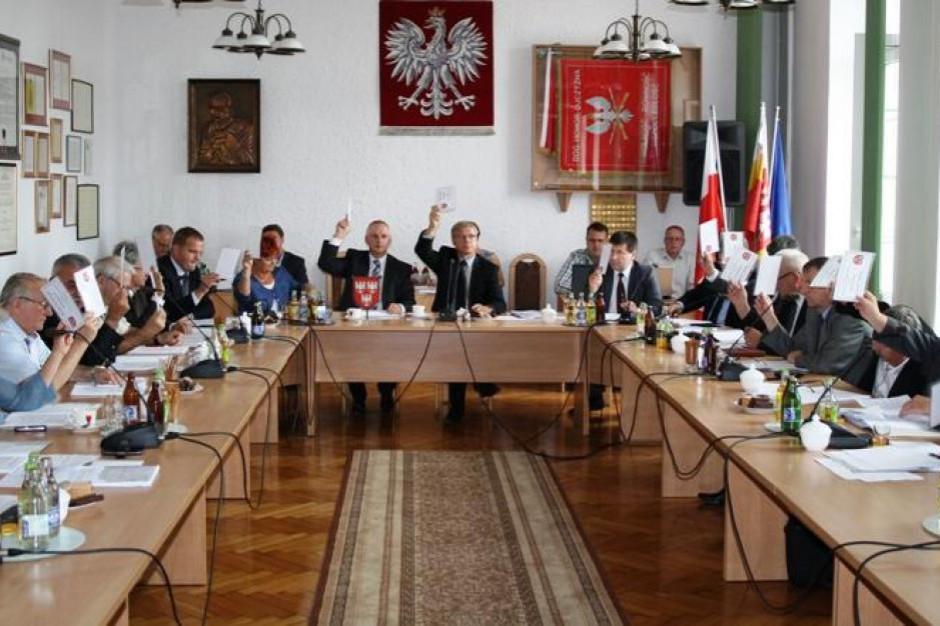 Karczew: Burmistrz skarży przewodniczącego rady o niezwołanie sesji