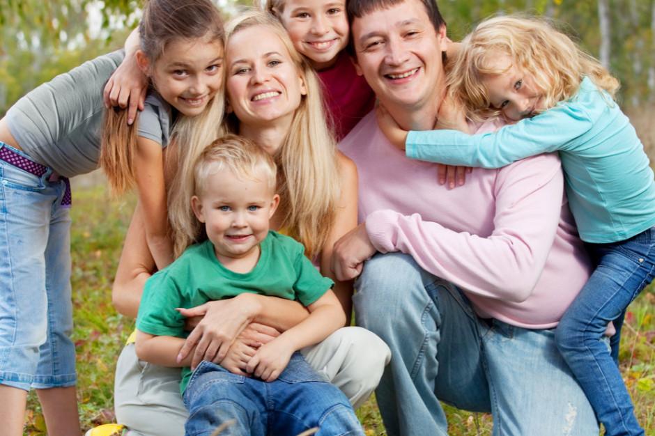 UODO: Weryfikowanie tożsamości posiadaczy Karty Dużej Rodziny jest zgodne z prawem
